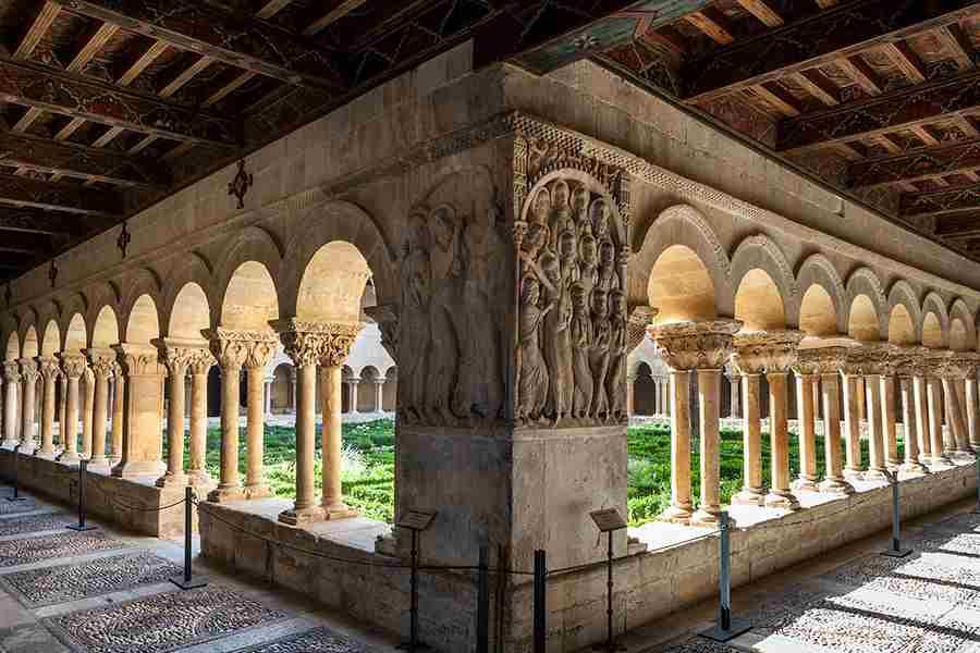 1- Claustro de Silos, cumbre del arte cristiano medieval