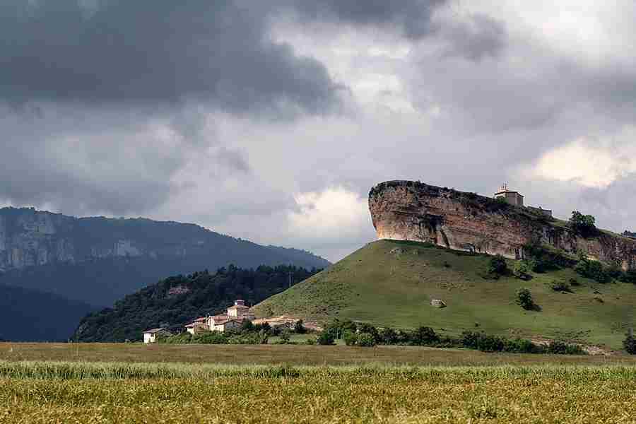 2- San Pantaleón de Losa, una ermita con leyenda
