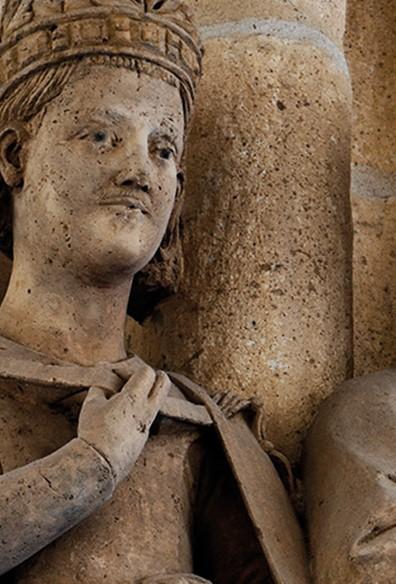 Crónica social de un nacimiento, la primera piedra de la Catedral